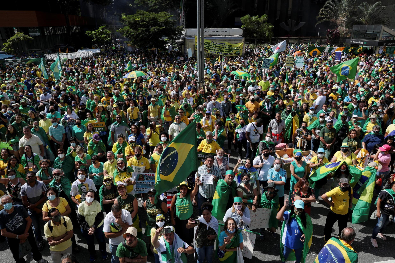 法广存档图片:博索纳罗是巴西2021年五一节的中心人物。 Image d'archive RFI : Jair Bolsonaro, personnage central de la fête du Travail au Brésil. Ici, plusieurs milliers de partisans du président brésilien ont défilé, ici à Sao Paulo, le 1er mai 2021.